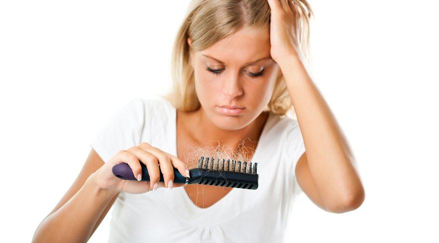 Kadınlar da çekinmeden saç ektirebiliyor