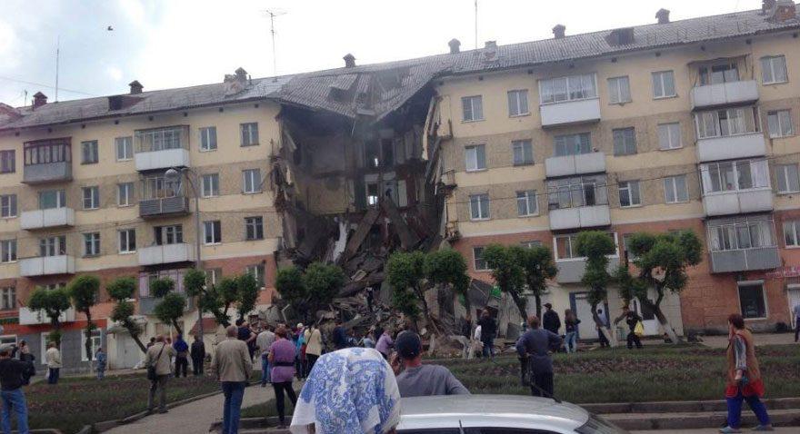 Sibirya'da 5 katlı bina çöktü