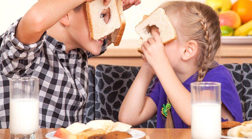 Çocukluk ve ergenlik döneminde kemik yapımı ve yoğunluğu hızlı olduğu için süt tüketimine dikkat edilmelidir.