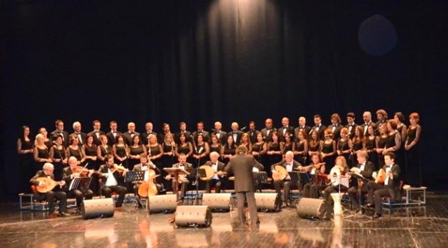 Türk Halk Müziği Korosu konser verdi