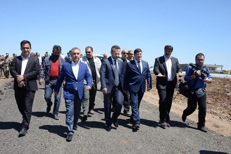 FOTO:DHA- Diyarbakır Valisi beraberindeki heyetle çalışmaları yeniden inceledi