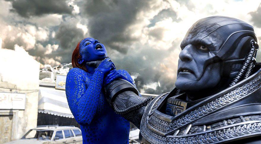 X-Men evreninin en güçlü mutantı olan En Sabah Nur, yani Apocalypse, binlerce yıllık uykusundan uyandığında dünyayı tanınmaz bir halde bulur.