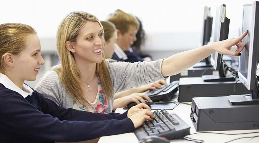 Bilgisayar derslerinin zorunlu olması için büyük atak