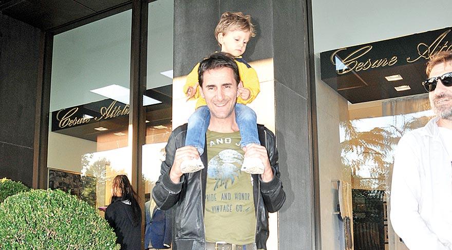 Oğlumu omzumda taşırım