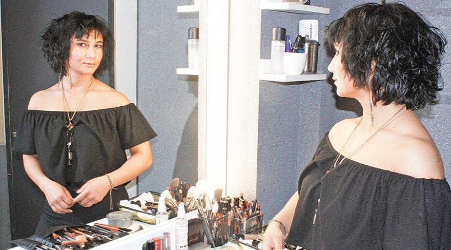 Makyöz Selin Öz, kusursuz makyaj tüyolarını ve kariyeriyle ilgili ilginç detayları ŞIK okuyucularıyla paylaştı...