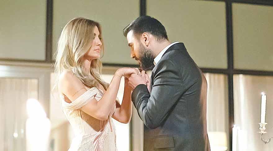 Uzun yıllar yayınlanan 'Cennet Mahallesi' dizisinde de Alişan ve Çağla Şıkel iki aşığı canlandırmıştı.