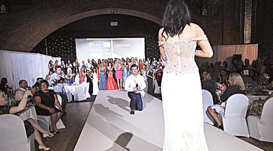 Güzellik yarışmasında evlilik teklifi