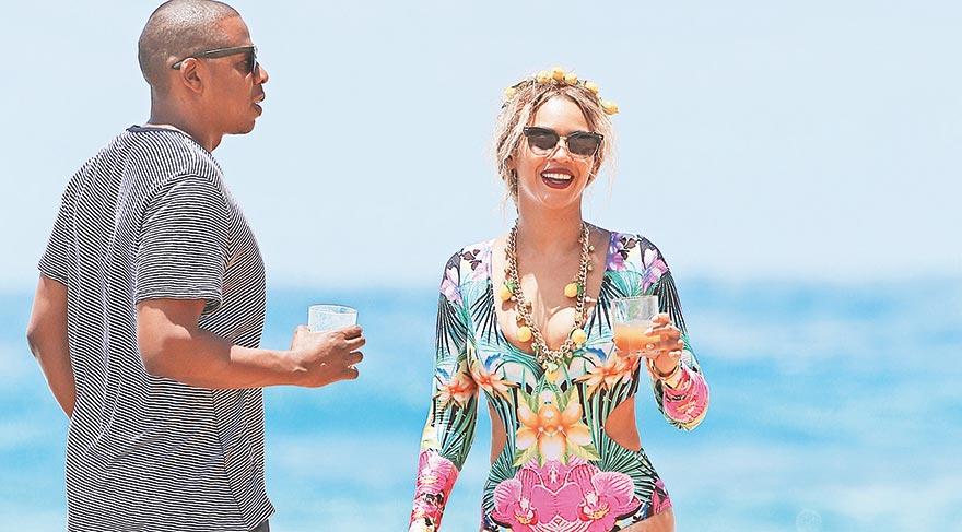 Beyonce, müzisyen eşi Jay-Z'e ile aşk tazelediler