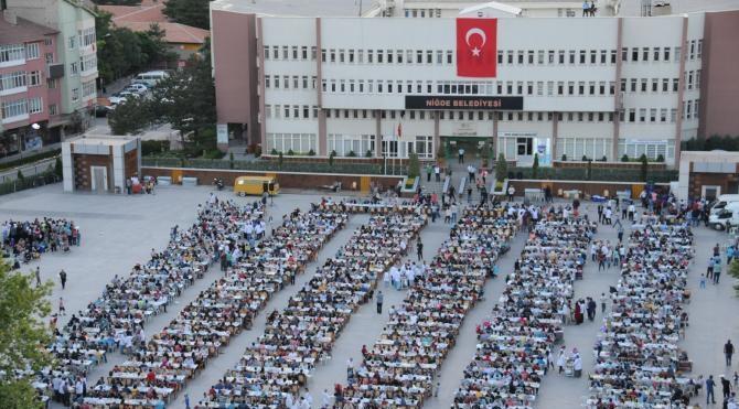 Niğde'de 5 bin kişilik iftar