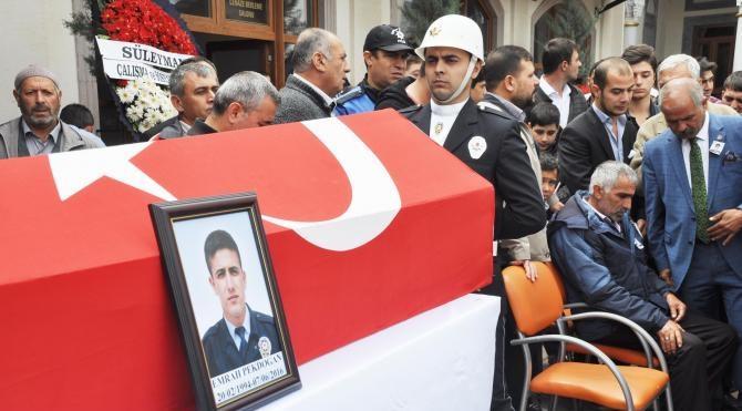 Şehit polis Emrah Pekdoğan'ı Kırıkkale'de 5 bin kişi uğurladı
