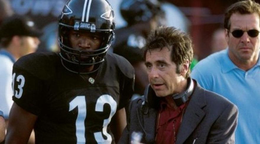 Al Pacino bir antrenörü canlandırmaktadır. Oyuncularına takım olmanın nasıl olduğunu ve futboldaki mücadelenin hayatla nasıl bağdaştırıldığını, takım ruhunun nasıl yakalanması gerektiğini en güzel şekilde anlatan filmdir.