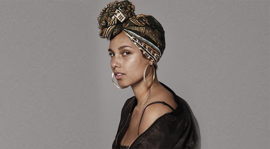 Alicia Keys makyaja savaş açtı