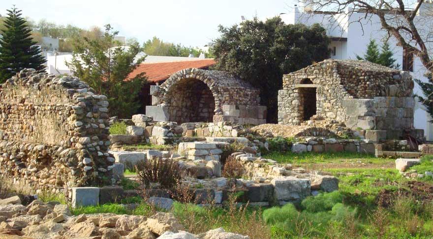 Theangela Antik Kenti'nde kaçak kazı yapanlar yakalandı