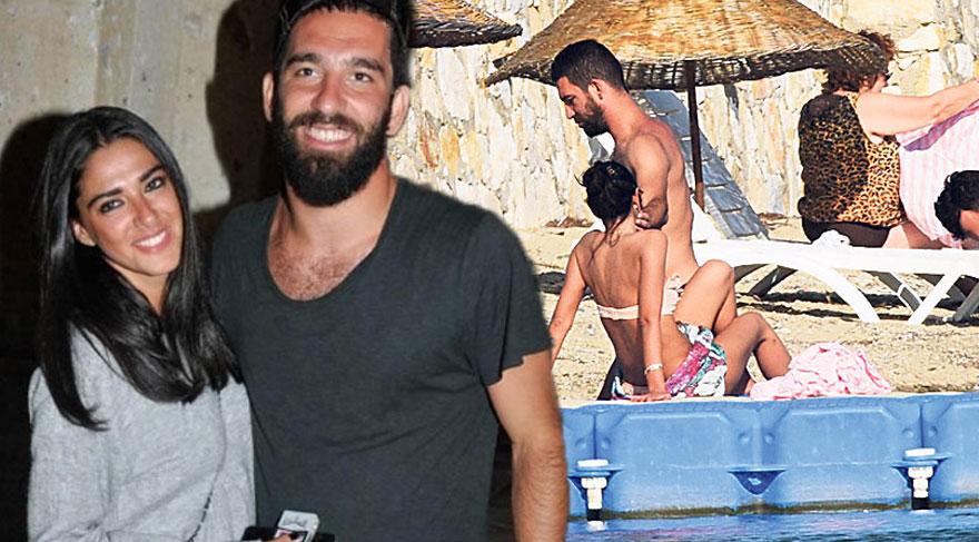 Arda Turan, Aslıhan Doğan'la tatile çıktı
