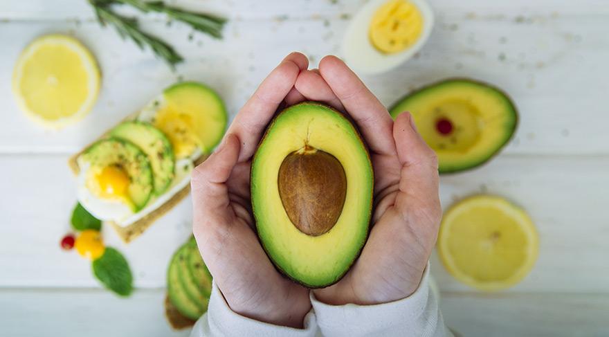Yaşlanmayı geciktiren avakadonun yararları   Avakado salatası nasıl yapılır?