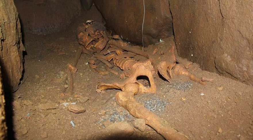 Bingöl'deki yol çalışmasında eski mezarlar ortaya çıktı