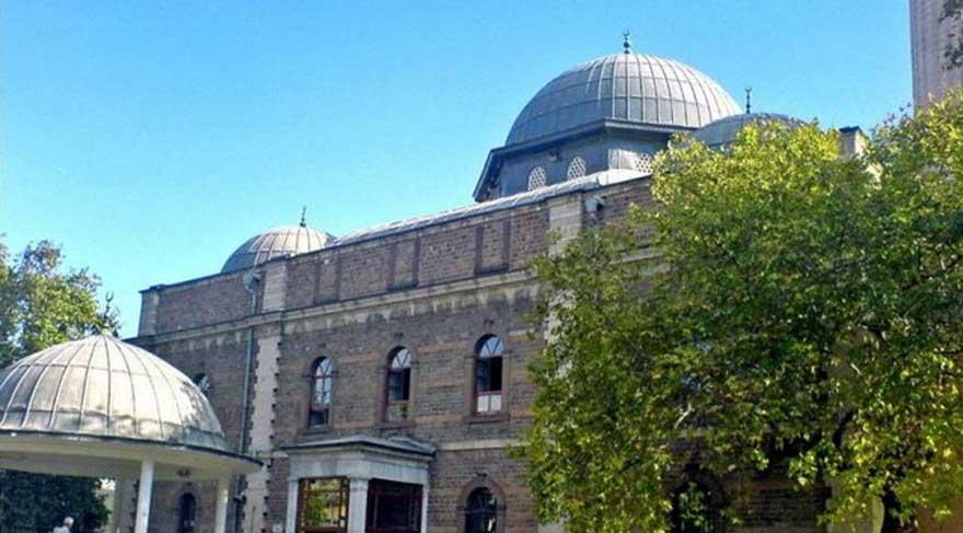 Hamidiye Camisine ait tarihi saati çaldılar