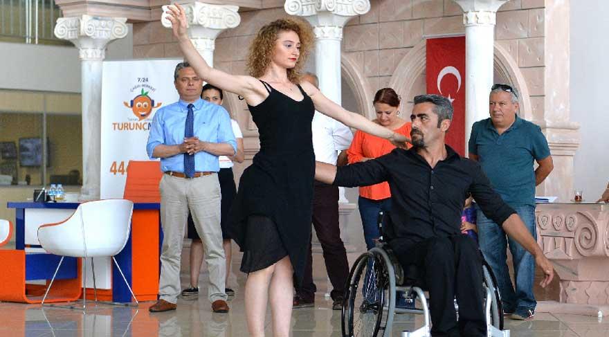 Tekerlekli Sandalye Dans Yarışması'nda duygulandıran başarı