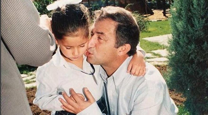 Buse Terim babası Fatih Terim'le çekilmiş bir fotoğrafını paylaşmış