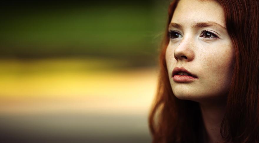 Ergenlikten sonra kadın beyninin vücut dili çözme ve konuşmadan karşısındakini anlayabilme içgüdüsü daha da gelişir.