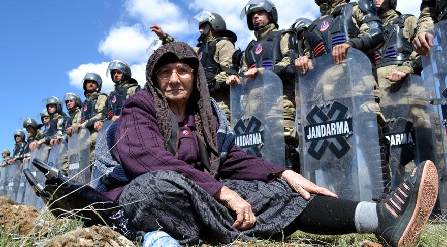 Kahramanmaraş'ta konteyner kent eylemleri yasaklandı