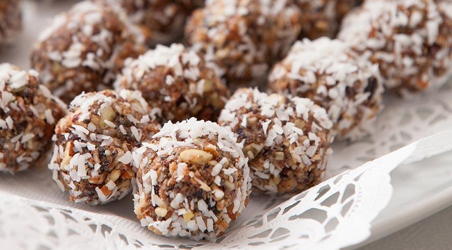 Çikolata yerine geçebilecek pratik ve sağlıklı tarifler oluşturabilirsiniz.