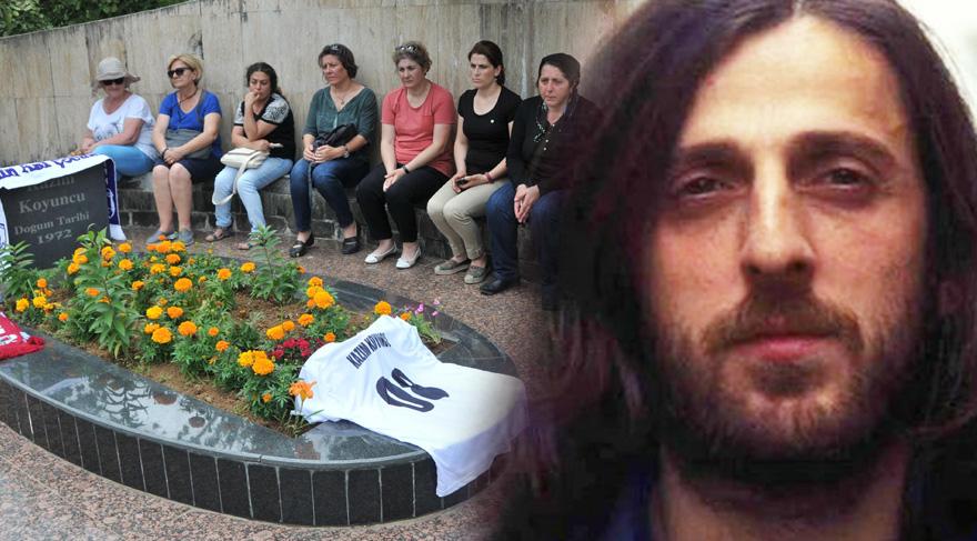 Kazım Koyuncu ölümünün 11. yılında Artvin Hopa'daki mezarının başında aldı