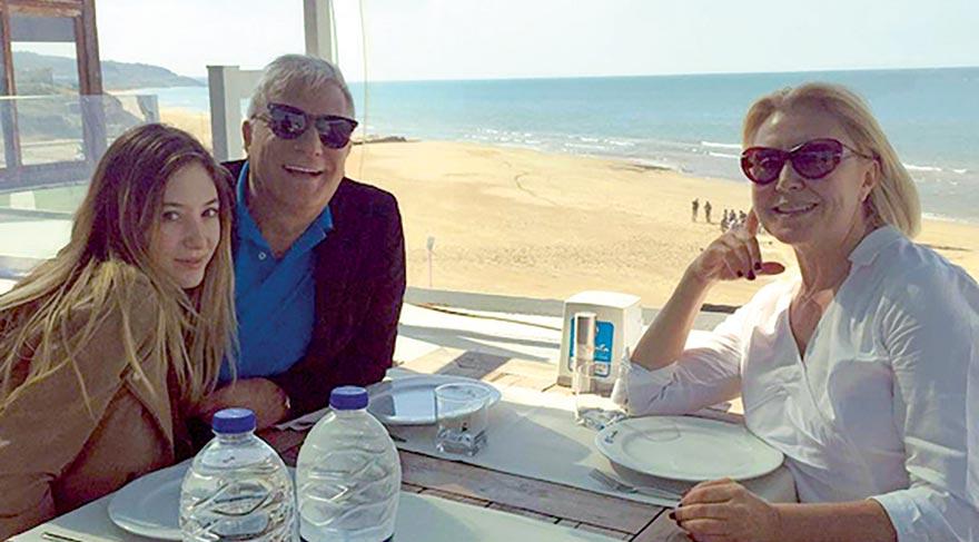 Mehmet Ali Erbil ve Nergis Kumbasar boşandıktan sonra iki yakın arkadaş oldu.