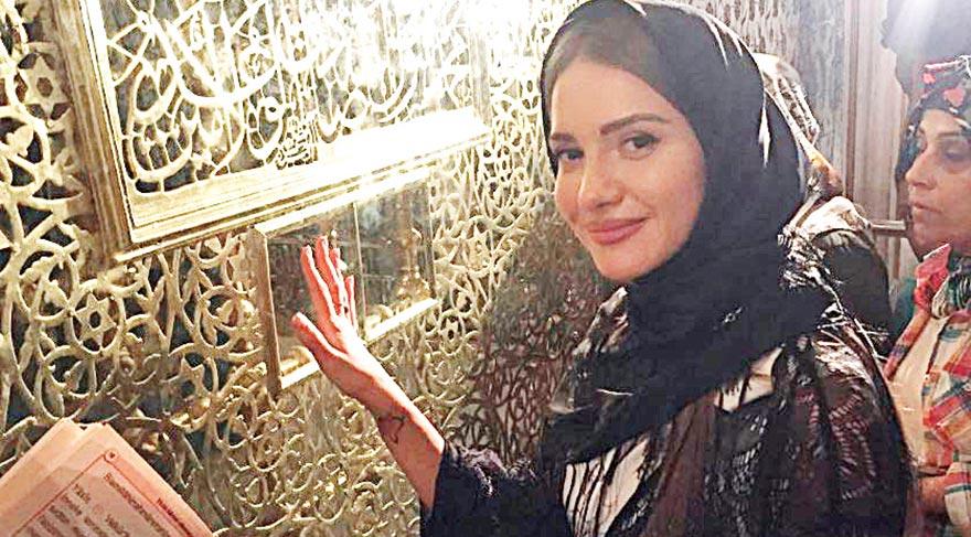 Otilia, Eyüp Sultan'da dua etti