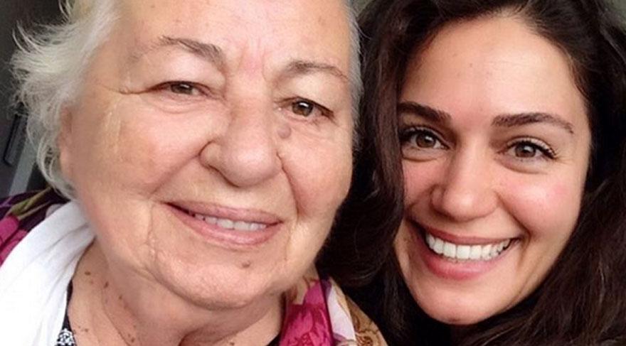 Özge Borak sosyal medya hesabından anneannesiyle bir fotoğraf paylaştı