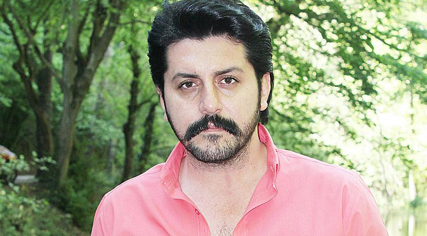 Özhan Özkök yeni şarkısının klibini 'Bir kadını en güzel öperek susturursun' şarkısına çekecek