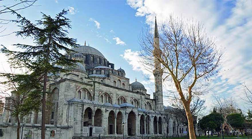 Yarım asırlık Şehzade Camii büyük zarar gördü