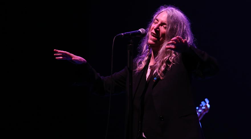 Yaşayan efsane Patti Smith'ten unutulmaz konser