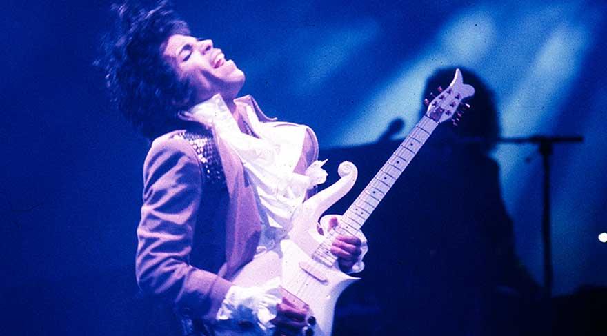 Prince'ın albümleri yok satıyor
