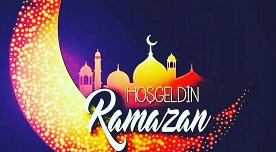 Ünlü isimler sosyal medya hesaplarından Ramazan paylaşımlarında bulundu