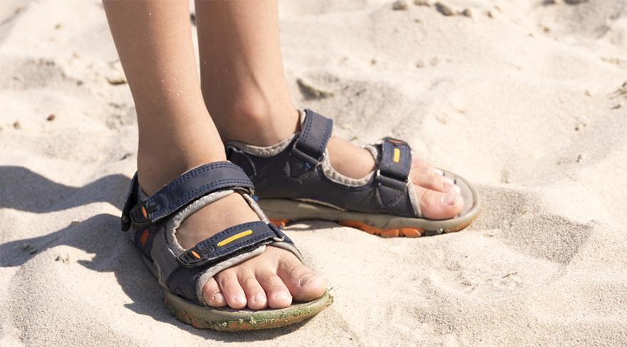 Azo boyar maddeler terlik ve ayakkabılarda da tehlikeli yüzünü gösteriyor.