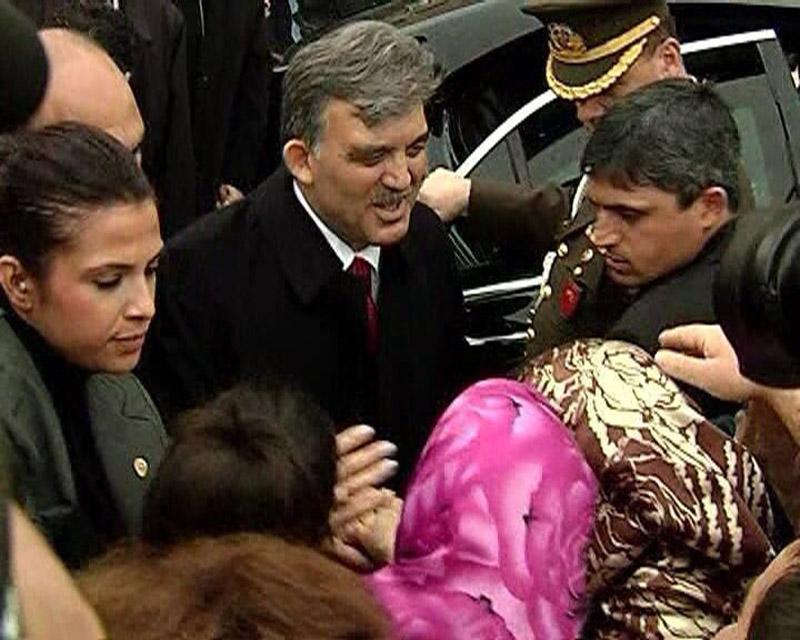 FOTO:DHA - Abdullah Gül şehit polis ile ilgili mesaj yayımladı.