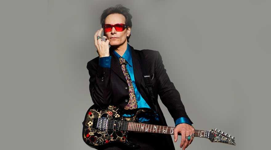 Ünlü gitar virtüözü Steve Vai İstanbul'da