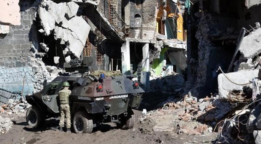 FOTO:DHA - Bölgede birçok ilçe harabaye dönmüş durumda.