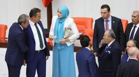 Meclis'te turkuazlı vekil