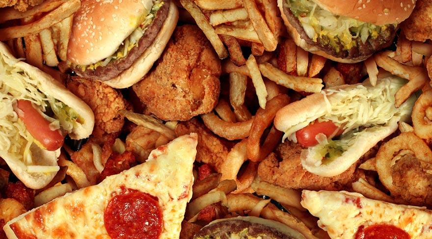 Yüksek kalorili yiyecekler beyindeki uyarıcı sinirleri etkiliyor