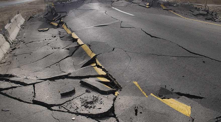 Panik duygusu yaratabilecek depremlerde söz konusu olabilir. Ülkeye olan aidiyet duygusunu tetikleyecek, hep bir ağızdan ülkenin sahipsiz olmadığına dair söylemler geliştirebiliriz.