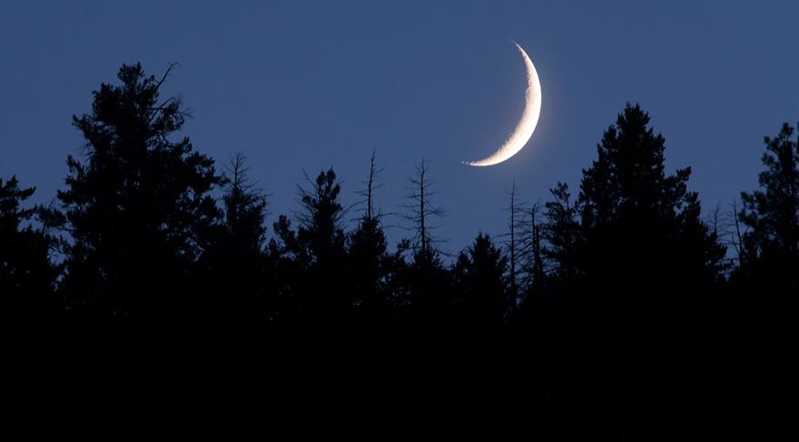 Yeni Ay zamanı Ay'ın Neptün ile olan açısı ile merhamet duygunuzun çok artacağı, hayal gücünün zenginliği ve bir o kadar yaratıcı çalışmalar için harika bir dönem. Sezgilerin ve ilhamın artması demektir.