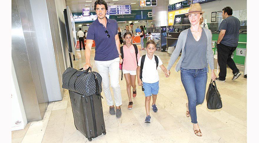 Demet-İbrahim Kutluay çifti havaalanında görüntülendi