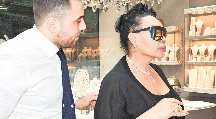 Bülent Ersoy 95 bin dolarlık takı aldı