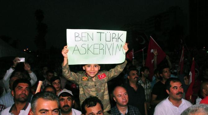 Adana'da demokrasi nöbeti