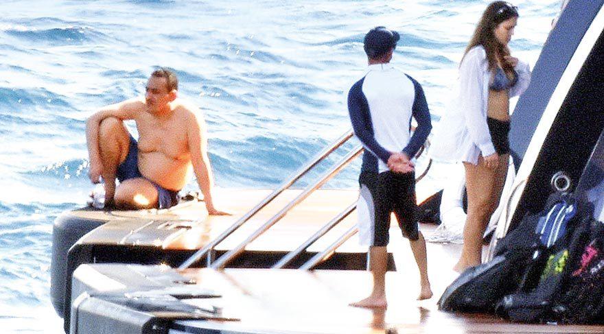 Prens Nawaf Al Saud teknede güneşlendi.