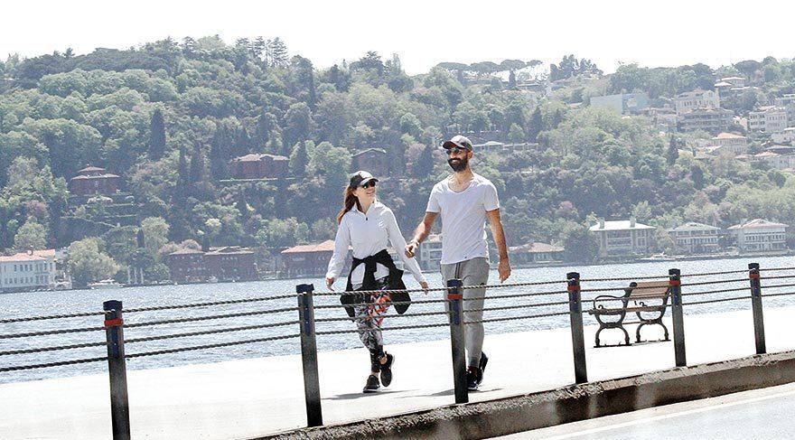 Burcu Erçil ve Volkan Babacan birlikteliği, çift nisan ayında İstanbul Bebek'te sabah yürüyüşüne çıktıklarında ortaya çıkmıştı.