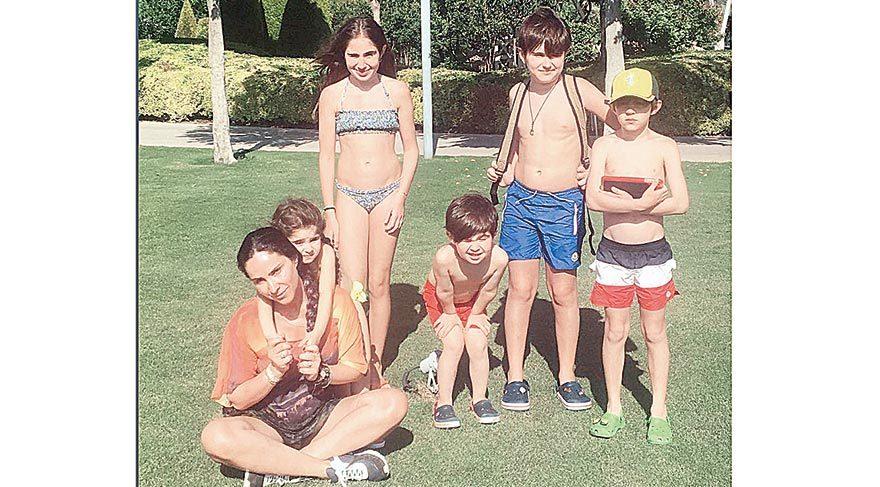 Beş çocuk annesi denizkızı!