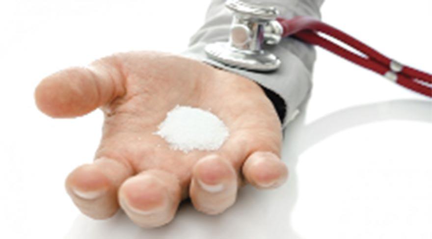 Gıdalardan tuz alımı, günlük tuz alımının yüzde 75'i kadardır. Dışarıdan yemeklere tuz katılması ise günlük tuz alımının yüzde 15'i kadardır.